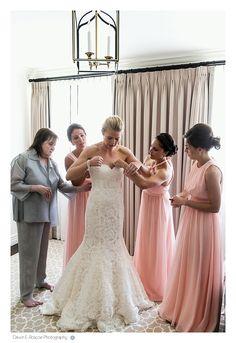 Wedding morning getting ready at the Deer Path Inn. Lake Forest Summer Wedding At Elawa Farm - Dawn E Roscoe Photography