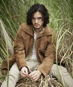 Kit Harington Hmmmmm looks like lots of room to spread out ;)