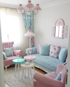 Cozy and Colorful Pastel Living Room Interior Style 28 Pastel Living Room, Shabby Chic Living Room, Cozy Living Rooms, Shabby Chic Homes, Living Room Decor, Bedroom Decor, Shabby Chic Apartment, Cottage Living, Cottage Chic