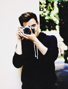 Connor Franta Lights. Camera. Be my boyfriend pleaseee