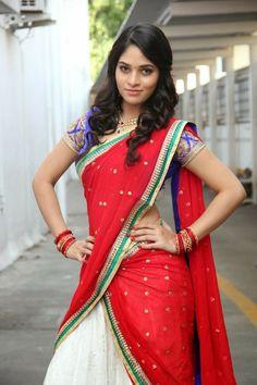 Saniya Thara Photos - Saniya Thara in saree South Indian Actress, Beautiful Indian Actress, Beautiful Actresses, Indian Beauty Saree, Indian Sarees, Indian Costumes, Saree Models, Beautiful Girl Image, Beautiful Bride