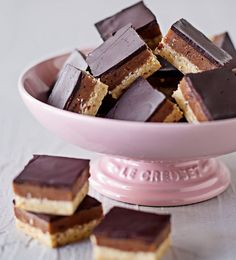 These petite little squares are filled with all the decadently sweet goodness of almonds, chocolate and caramel.