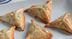Calzone, Tapas, Canapes, Spanakopita, Kitchen Recipes, Catering, Vegetarian Recipes, Appetizers, Pasta