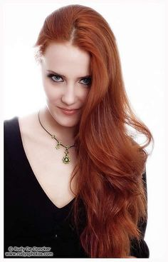 Long Red Hair For Colorful Hairstyles-red hair colours,red hair color,hairstyles for long hair,up hairstyles for long hair,long hair styles Chica Heavy Metal, Red Heads Women, Stunning Redhead, Red Hair Woman, Long Red Hair, Scarlett, Red Hair Color, Hair Colours, Redhead Girl
