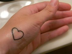 130 Most Adorable Small Heart Tattoo Designs awesome Simple Finger Tattoo, Simple Heart Tattoos, Finger Tattoos, Unique Hand Tattoos, Hand Tattoos For Guys, Tattoos For Women, Heart Tattoo Images, Heart Tattoo Designs, Black Tattoos
