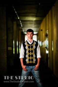©The Studio • La Crosse, WI www.TheStudioOnMain.com Boy • Senior • Pictures • Portraits Erfolg im Abitur - Mit ZENTRAL-lernen. Kostenloser Lerntypen-Test