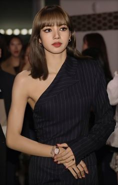 """[PRESS] 191029 - LISA look stunning at the Bvlgari fashion event tonight! South Korean Girls, Korean Girl Groups, Rapper, Mode Rose, Long Sleeve Outfits, Jennie Blackpink, Blackpink Lisa, Celebs, Celebrities"