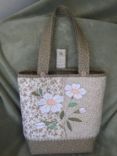 Appliqués and rick rack! Patchwork Bags, Quilted Bag, Bag Quilt, Felt Purse, Handmade Purses, Denim Bag, Fabric Bags, Cute Bags, Beautiful Bags