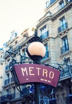 Metro parisien #metro #paris #visite #beautiful #travel #opitriptravel #opitrip http://www.opitrip.com/location-vacances-paris