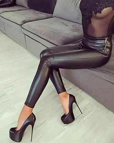 Manosque Leder Optik Stretch Damen Luxus Leather Look Pants Hose Leggings XS Hot Heels, Sexy Heels, Stiletto Heels, Leggings Brilhantes, Shiny Leggings, Leggings Are Not Pants, Platform High Heels, High Heel Boots, Heeled Boots