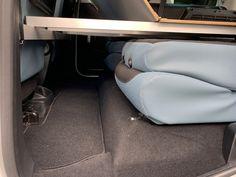 MICA Camperbox met zit, keuken en bed module! - 3DotZero Automotive BV Volkswagen Caddy, Berlingo Camper, Kangoo Camper, Minivan Camping, Chevy Van, Mini Camper, Campervan, Van Life, Motorhome