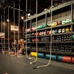 Ideas Fitness Design Gym Crossfit Box For 2019 Crossfit Box, Crossfit Motivation, Plan Garage, Garage Gym, Fitness Design, Warehouse Gym, Sport Studio, Gym Setup, Dream Gym