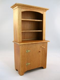 Miniature country dresser by Emilie Viau from Creations Petitbois (QC, Canada). Dresser, Bookcase, Scale, Miniatures, Woodworking, Canada, Shelves, Country, Home Decor