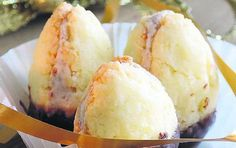 Kokosové ořechy! Ice Cream, Desserts, Food, No Churn Ice Cream, Tailgate Desserts, Deserts, Icecream Craft, Essen, Postres