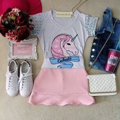 T-shirt   Unicórnio Candy D/ Bordado na Manga( Cor  BRANCA) Cute Teen Outfits, Outfits For Teens, Cool Outfits, Summer Outfits, Fashion Outfits, Womens Fashion, Unicorn Outfit, Girly, Crop Top Outfits