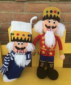 Seasonal crochet winter crochet patterns santa and mrs santa 1nutcrackerssmall2 fandeluxe Image collections