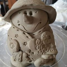 Slab Pottery, Ceramic Pottery, Christmas Crafts, Christmas Decorations, Pottery Classes, Ceramics Projects, Dog Biscuits, Sculpture Clay, Air Dry Clay