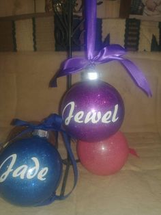 Keepsake Christmas Glass bulb ornament personalized with your name decoration kids ornament glitter