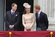 Prince Harry Photos - Royals watch an air show - Zimbio