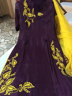 Looking For Punjabi Suits Online Boutique, Salwar Suits from Maharani Designer Boutique, Call - ( Whatsapp ) Punjabi Suits Designer Boutique, Boutique Suits, Indian Designer Suits, Embroidery Suits Punjabi, Embroidery Suits Design, Embroidery Stitches, Designer Party Wear Dresses, Kurti Designs Party Wear, Stylish Dress Designs
