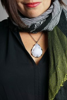 fall winter style: how to show off a pendant while wearing a scarf Cozy Winter Fashion, Autumn Fashion, Stay Warm, Warm And Cozy, Winter Style, Fall Winter, How To Wear Scarves, Fashion Necklace, Chokers