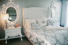 White and Silver Bedroom Idea