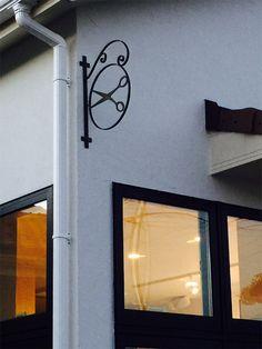 アイアン工房の店舗看板の商品一覧ページです。 Barber Shop Decor, Shop Signs, Candle Sconces, Scissors, Wall Lights, Iron, Home Decor, Shopping, Iron Decor