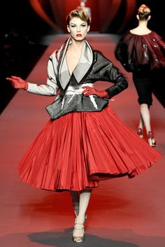 Christian Dior Spring 2011 Couture Collection Photos - Vogue