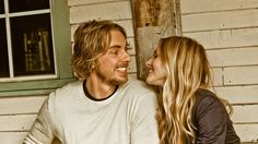 Dax Shepard and Kristen Bell - I love them! They're such a cute couple :)