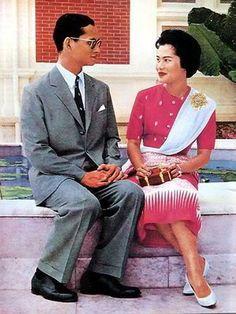 King and Queen of Thailand King Bhumipol, King Rama 9, King Of Kings, King Queen, Thailand Monarchy, King Thailand, Queen Sirikit, Thailand Photos, Bhumibol Adulyadej