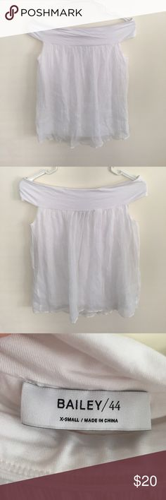 Bailey/44 Off-The-Shoulder White Top Bailey/44 Off-The-Shoulder White Top. Excellent used condition. Looks wonderful with jeans! Mahalo for viewing! 🌺 Bailey 44 Tops Blouses