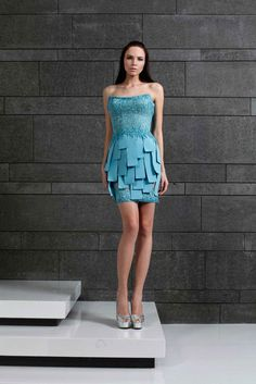 Short strapless Maya Blue dress with an embroidered Fall Winter 2014/15 | Tony Ward