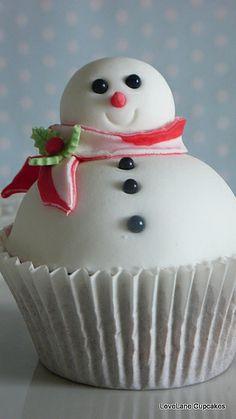 snowman cupcake!!!!!