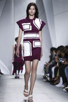 A look from the Lacoste Spring 2015 RTW collection. Runway Fashion, Fashion News, Fashion Show, Fashion Design, Fashion Week 2015, Spring Summer 2015, Live Fashion, Lacoste, Catwalk