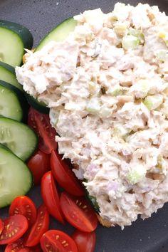 Healthy Tuna Recipes, Diet Salad Recipes, Healthy Tuna Salad, Salad With Tuna, Greek Yogurt Tuna Salad, Easy Tuna Salad, Quick Lunch Recipes, Easy Clean Eating Recipes, Wrap Recipes