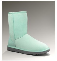 Baby blue classic short uggs :)