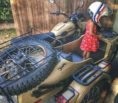 Ural Bike, Ural Motorcycle, Motorcycle Engine, Russian Motorcycle, Bmw Vintage, Brat Cafe, Honda Cb, Custom Trucks, Super 4