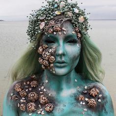 NEXT Tutorial | Love Sick Siren Makeup this look will be up on my YouTube channel within the next couple of days. Please subscribe to be notified when it goes live! Did this look with bodypaint ages ago and wanted to revisit the idea but with prosthetics. USING: @mermaidsanctuarydesigns custom Pearl headpiece  @hairhegoes / @powderroomd custom mint human hair wig  @mehronmakeup Teal & White Paradise Paint / Brown Cream Paint @makeupgeekcosmetics Sea Mist eyeshadow @occmakeup Vice Cream…