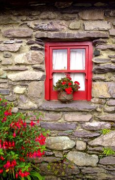 Molly Gallivan's Cottage - Kenmare, County Kerry, Ireland
