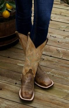Love this boots from Cavender's.