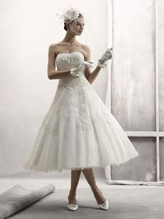 Strapless Beaded Appliqued Organza Bridal Dress #bridal_dress #strapless_wedding_dress #short_wedding_dress #mini_wedding_dress