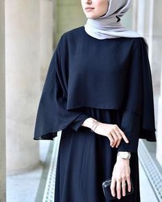 Close-up: Cape Gown from ☺️👌🏻 Moslem Fashion, Arab Fashion, Trend Fashion, Islamic Fashion, Hijab Gown, Hijab Outfit, Habits Musulmans, Mode Abaya, Hijab Stile