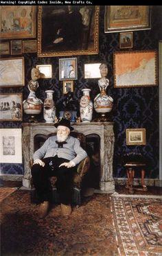 James Ensor in zijn atelier in Oostende