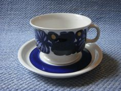 Arabia Finland, model ND designer Ulla Procope and dec? Blue Dishes, Tablewares, Teacups, Scandinavian Design, Cup And Saucer, Porcelain, Blue And White, Ceramics, Retro