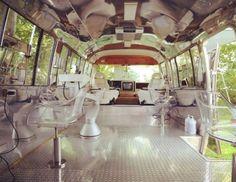 @neatorama A Luxury Hair Salon inside a Restored Airstream Trailer https://t.co/8Vs1Um7GY9 https://t.co/ffq61Md5si