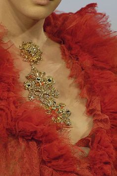 Christian Lacroix Fall 2006 Couture Fashion Show Details