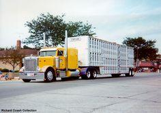 old cattle trucks   Richard Coash Wuapun Trucker's Jamboree 2000 Truck Pictures 3