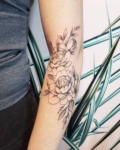 Delicate feminine peonies tattoo done by Vancouver artist Jamie Kan Delicate Flower Tattoo, Floral Arm Tattoo, Peony Flower Tattoos, Flower Tattoo Arm, Peonies Tattoo, Sweet Tattoos, Dream Tattoos, Dog Tattoos, Vancouver Tattoo Artists