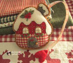 Felt Christmas Decorations, Christmas Ornament Crafts, Christmas Sewing, Felt Ornaments, Handmade Christmas, Holiday Crafts, Beaded Ornaments, Christmas Christmas, Felt Crafts Patterns