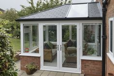 Do you need a replacement roof for your solid conservatory roof or glass conservatory roof? Use our VR tool to explore our replacement conservatory roofs. Curved Pergola, Pergola With Roof, Covered Pergola, Pergola Kits, Pergola Ideas, Pergola Lighting, Tiled Conservatory Roof, Lean To Conservatory, Windows